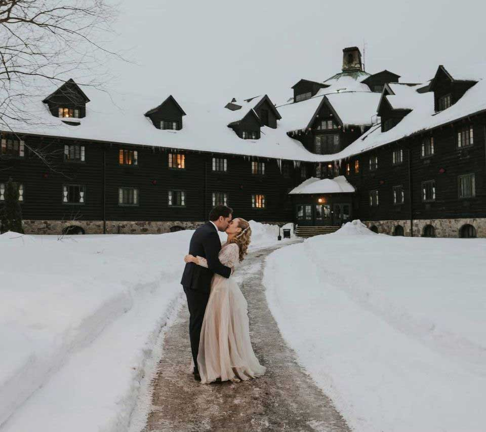 Bride and Groom | Fairmont Chateau Montebello | Joel and Justyna Photography