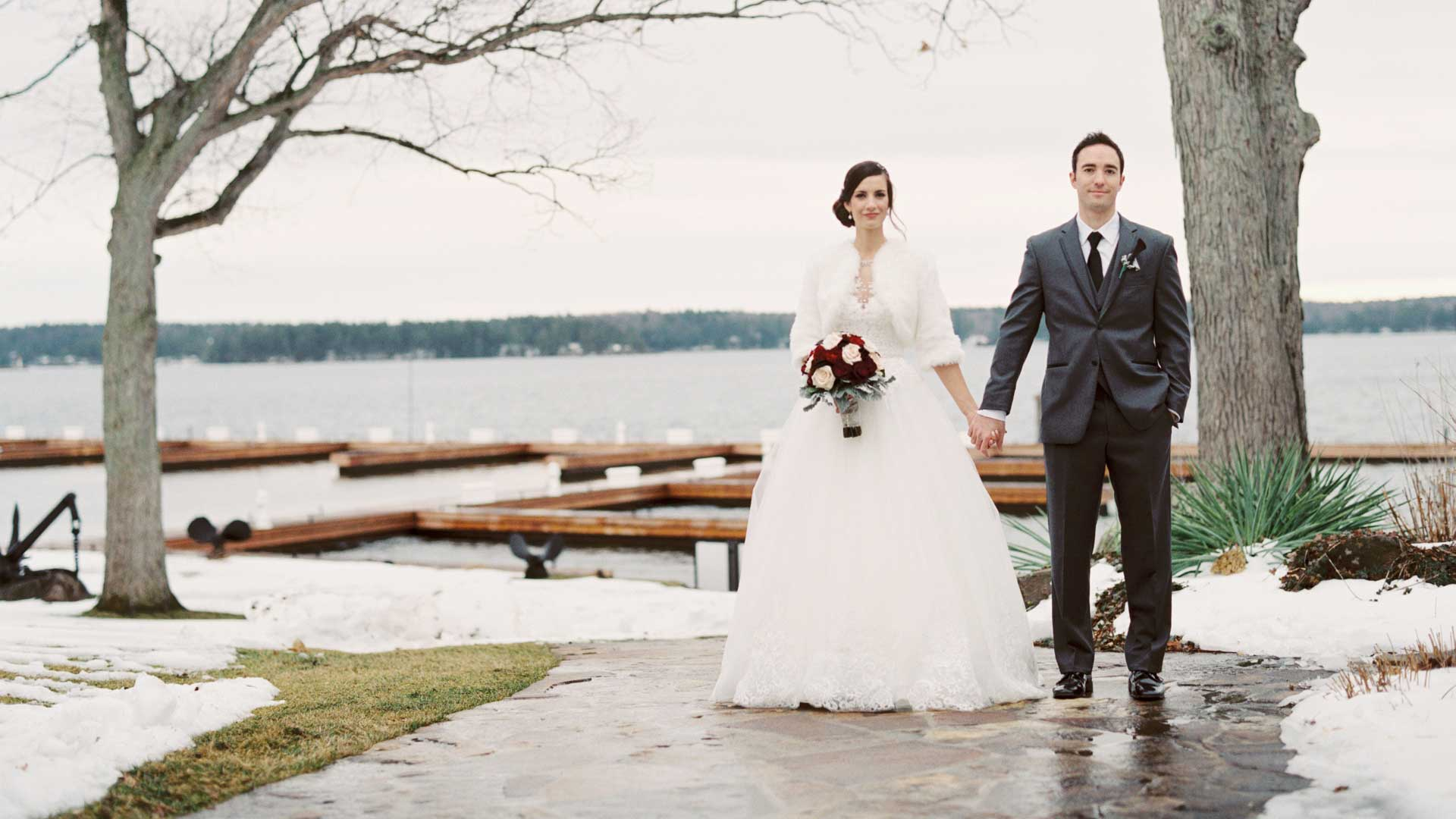 Winter wonderland wedding 1000 Islands | The Ivy Lea Club | AMBphoto