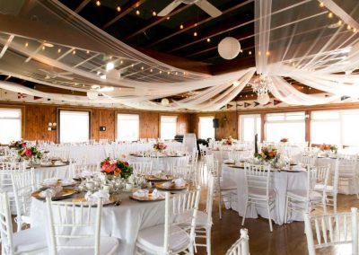 White chiavari chairs with white linens gold chargers | Britannia Yacht Club | Union Eleven Photographers
