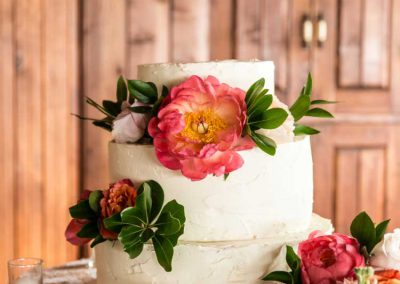 Buttercream lemon cake with pink and corral flowers | Britannia Yacht Club | Union Eleven Photographers