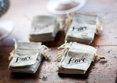 Burlap candy bar bags | Stonefields Heritage Farm | Themotions Photography