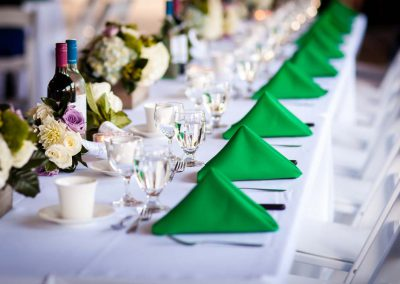 White and green headtable | Stonefields Heritage Farm | Themotions Photography