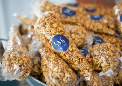 Personalized Papa Jack's Caramel Corn Wedding Favour | Rivermead | AMBphoto