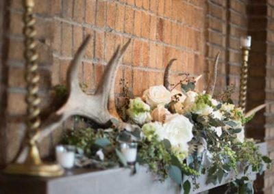 Organic mantle decor with antlers | Rivermead Golf Club Ottawa | AMBphoto