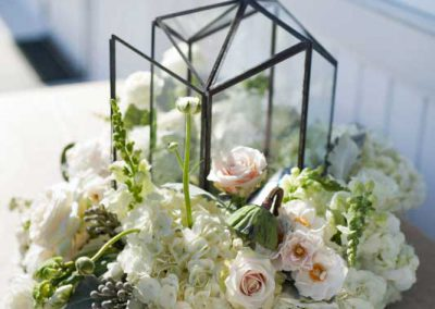 Terrarium with white cream greenery and succulents | Rivermead Golf Club Ottawa | AMBphoto