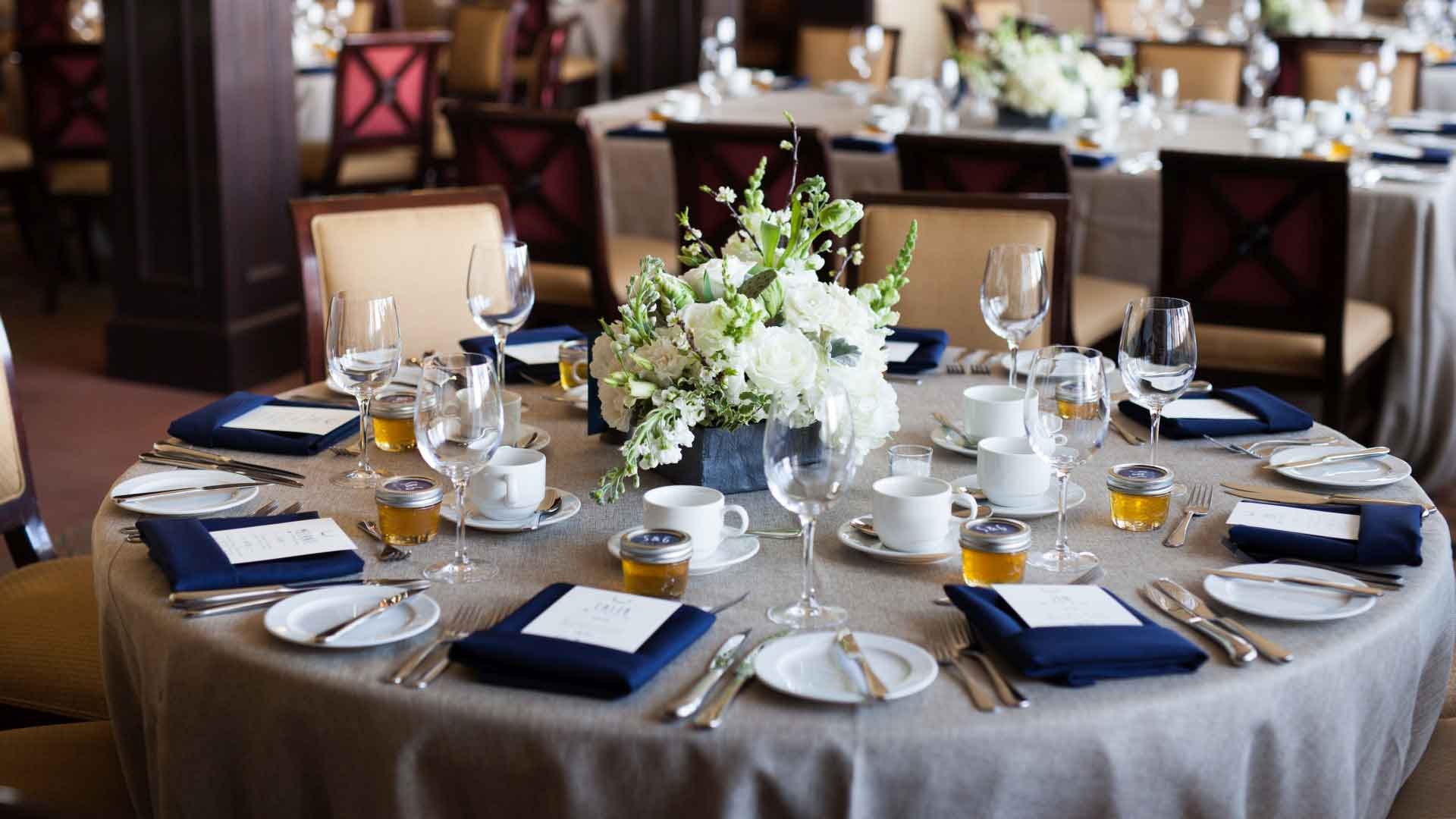 Grey and Navy wedding| Rivermead Golf Ottawa | AMBphoto
